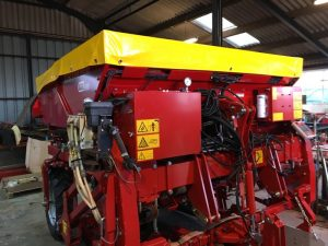 Grimme GB215 planter hopper cover