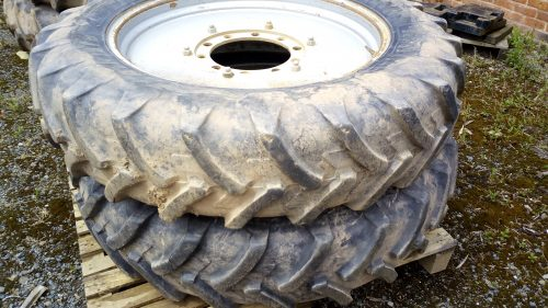 Case CVX 1145 row crop wheels set