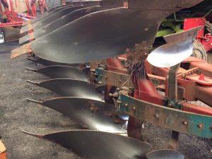 Kverneland 5 Furrow Plough 1