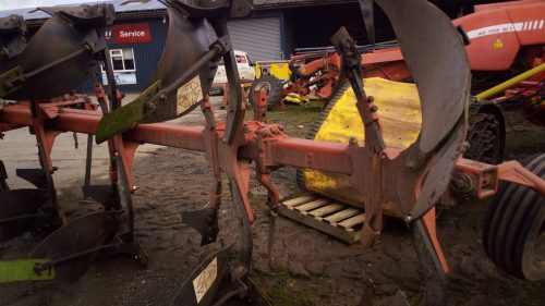 Gregoire-Besson reversible plough